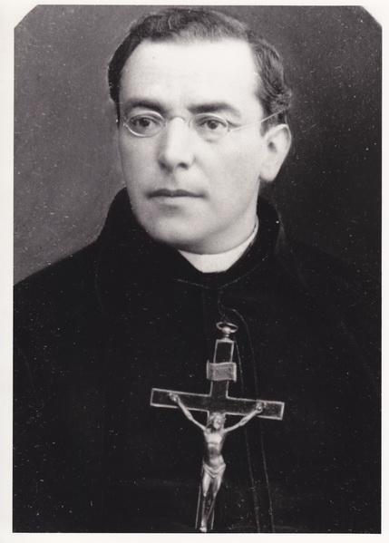 sacerdote36_resize