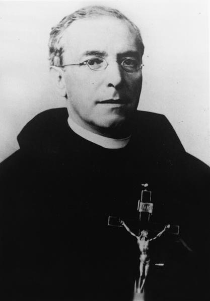 sacerdote38_resize