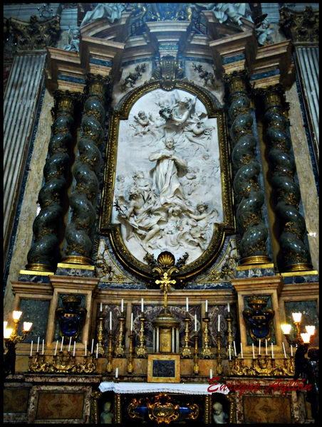 Altar de San Luis, donde JAP celebró su primera misa, Roma, Italia